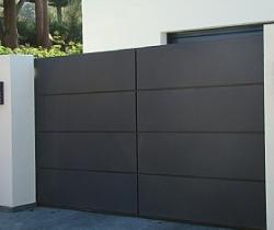 f_gdospublicidad_puerta_exterior_garaje.jpg